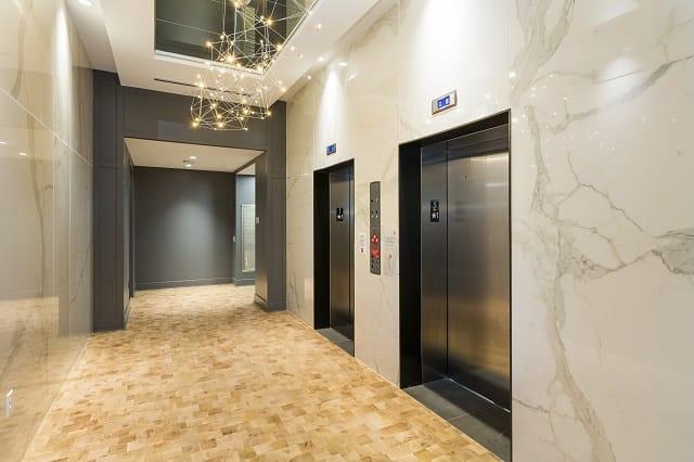 Elevator Lobby and Mailroom